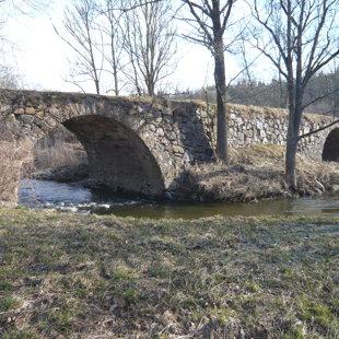 Akmens tilts - veākais tilts Vilcē